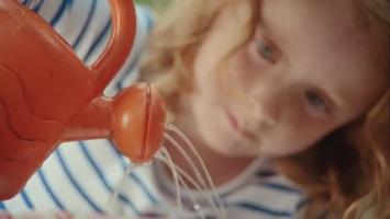 <h5>McDonald&#039;s / Sara Dunlop &lt;br&gt; Rattling Stick</h5>